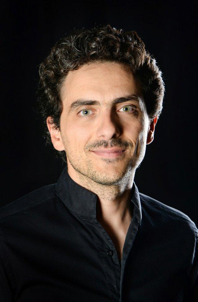 GMD Francesco Angelico - 1. Sinfoniekonzert.jpg