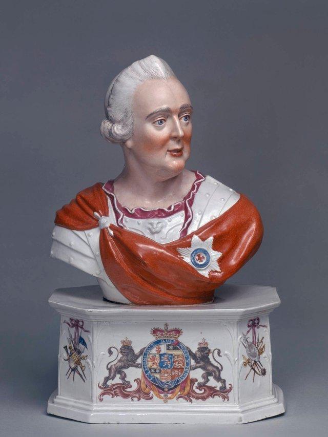 MHK_Porzellanmanufaktur Kassel_Johann Heinrich Eisenträger_Büste Landgraf Friedrich II. von Hessen-Kassel_K10456.jpg