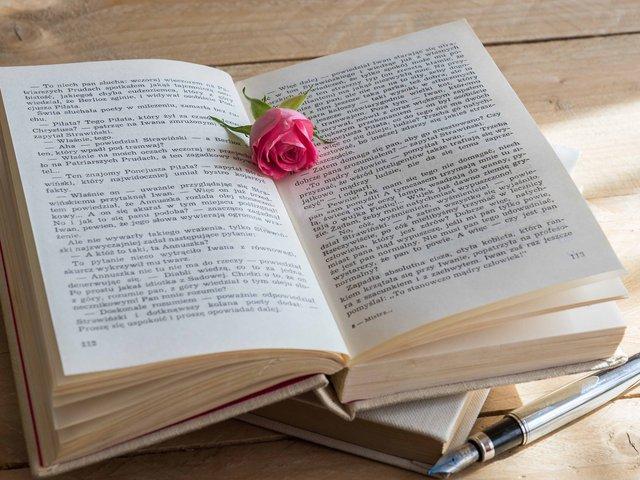book-2184568_1920.jpg