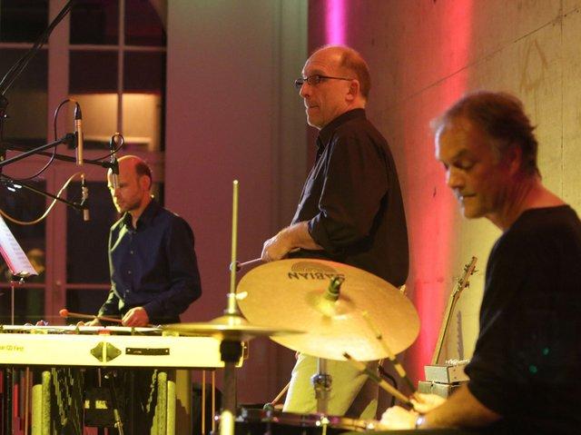 Konzertankündigung - Minimal Groove Band-2.jpg