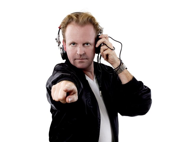 DJ LArs Bode frontal.jpg
