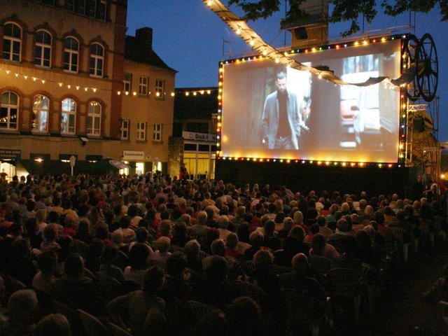 Open_Air_kino.jpg
