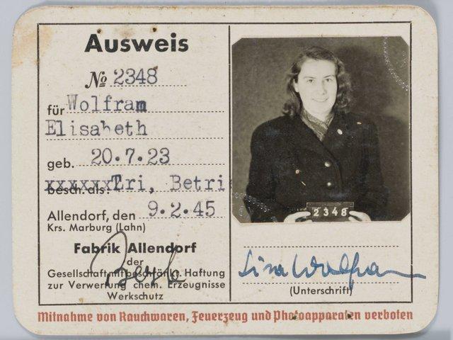 MHK_Fabrikausweis Elisabeth Wolfram_Volkskunde_VK40961.jpg