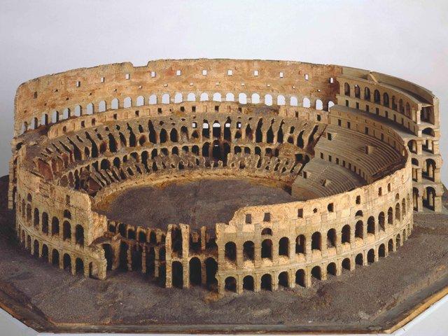 MHK_Colosseum Rom_Korkmodell_ Antonio Chichi_Antikensammlung_A10564.jpg