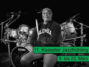 11. Jazzfrühling Maske.jpg