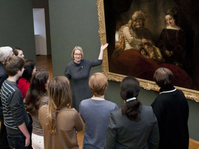 MHK_Führung Schloss Wilhelmshöhe_Gemäldegalerie Alte Meister_Rembrandt Harmensz. van Rijn_Jakob segnet Ephraim und Menasse © Arno Hensmanns.jpg