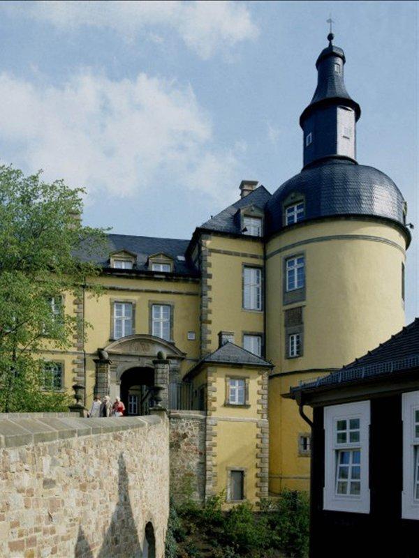 SchlossFriedrichstein.jpg