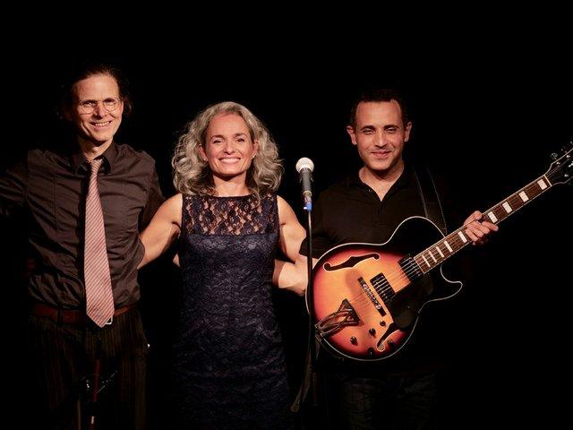 Sandra Badal Trio.jpg