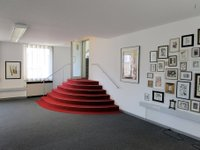 Ausstellung_Rote Treppe_neu.jpg